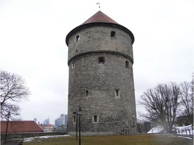 Башня Кик-ин-де-Кек в Старом Таллине