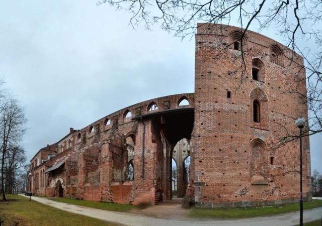 Кафедральный собор Петра и Павла в Тарту