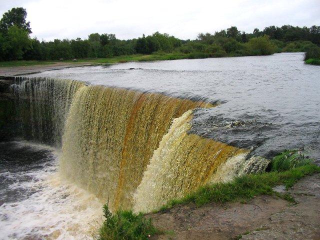 Водопад Ягала в Таллине