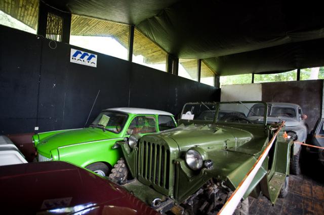 Выставка старинных машин в Юрмале