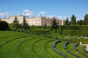 Парк Рундальского дворца в Латвии